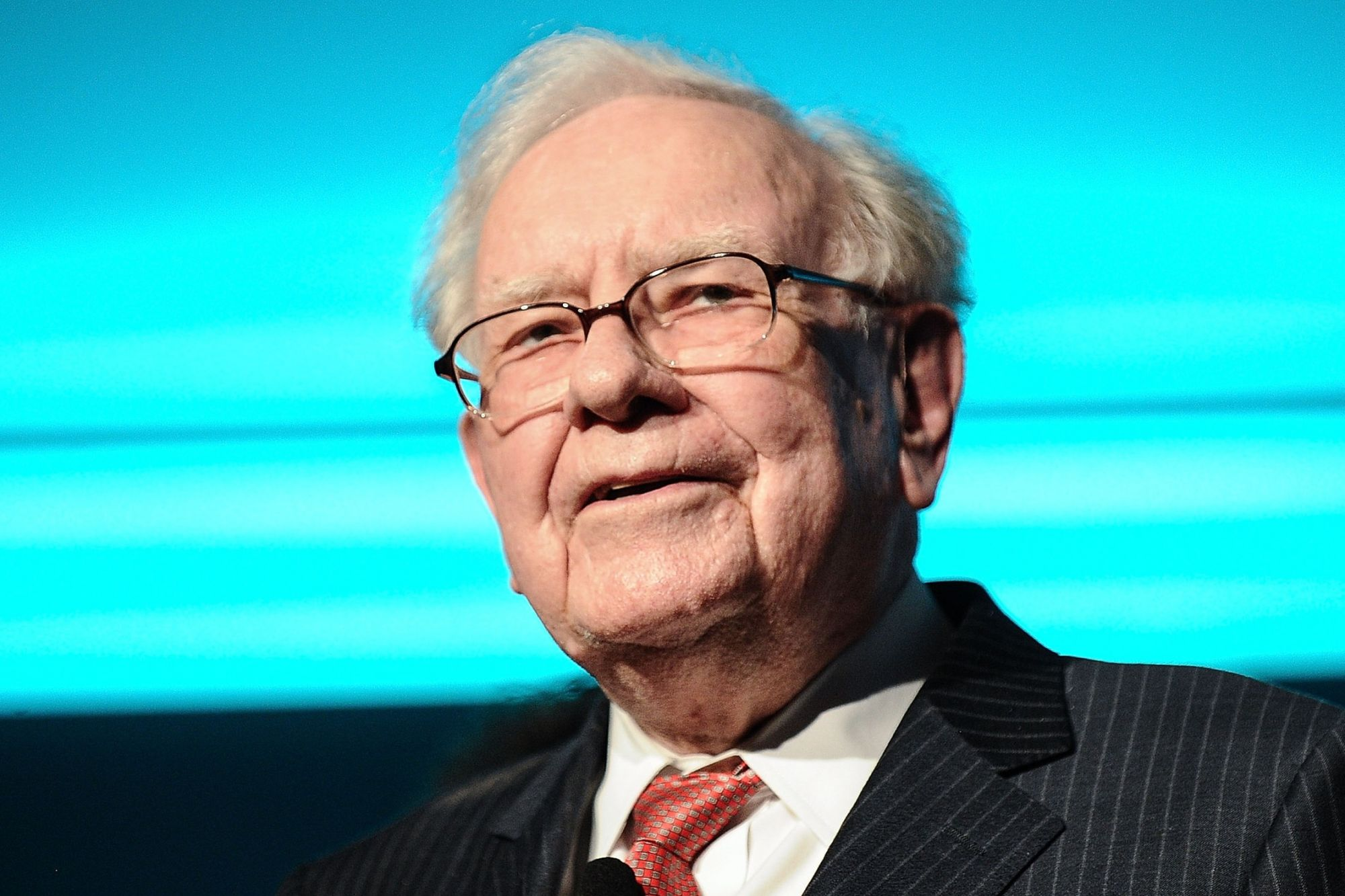 Why Does Warren Buffett Always Pay In Cash?